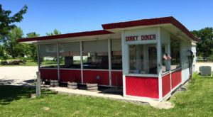 Blink And You'll Miss These 11 Tiny But Mighty Restaurants Hiding In Iowa