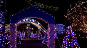 The One Massachusetts Town That Transforms Into A Christmas Wonderland Each Year