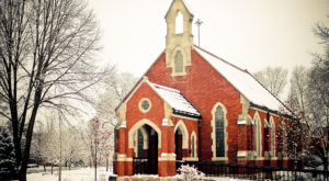 Christmas In These 10 Iowa Towns Looks Like Something From A Hallmark Movie
