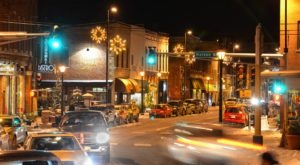 At Christmastime, This Minnesota Town Has The Most Enchanting Main Street In The Country