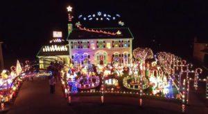 The Neighborhood Near Cleveland That Transforms Into A Winter Wonderland Each Christmas Season