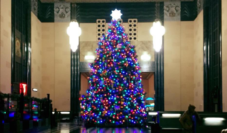 The Durham Museum Has The Largest Indoor Christmas Tree In