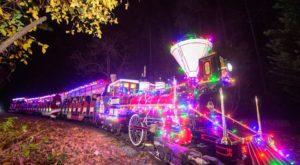 Climb Aboard This Enchanting Santa Train In North Carolina That's Covered In A Thousand Lights