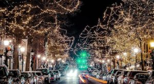 At Christmastime, This Virginia Town Has The Most Enchanting Main Street In The Country