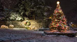 Christmas In These 10 Pennsylvania Towns Looks Like Something From A Hallmark Movie