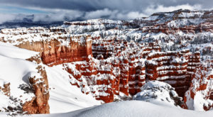 This Beloved National Park Totally Transforms In The Winter