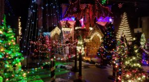 This Haunted Holiday House In Illinois Will Give You A Creepy Christmas