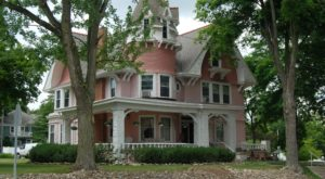 This Beautiful Bed & Breakfast In Indiana Is Like A Childhood Dream Home