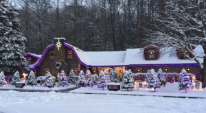 Don't Let The Holiday Season Pass You By Without A Visit To Santa's Christmas Factory In Tennessee