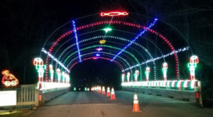 The South Carolina Drive Thru Christmas Lights Show With Over 400 Glittering Displays