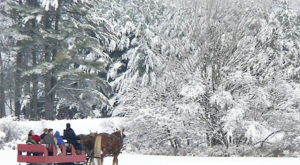 10 Winter Attractions For The Family In Maine That Don't Involve Long Lines At The Mall