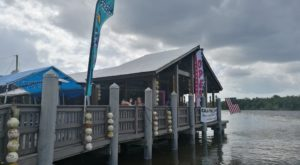 The Incredible Florida Seafood Joint Is Smack Dab In The Middle Of The Everglades