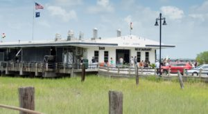 You'll Love A Trip To This South Carolina Restaurant That's Over The Water