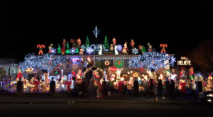 This One Christmas House In Northern California Is Decorated With Over 140,000 Lights