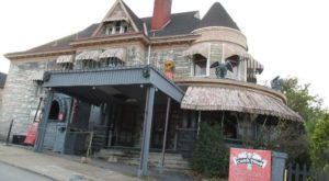 This Haunted Holiday House In Pennsylvania Will Give You A Very Creepy Christmas
