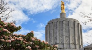 The Quirky Story Behind This Famous Oregon Landmark Will Fascinate You