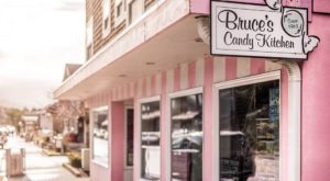With Over 30 Salt Water Taffy Flavors, You Won't Want To Miss This Charming Oregon Sweet Shop