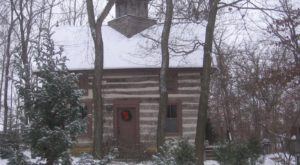 10 of the Coziest Wisconsin Cabins to Curl Up In This Winter
