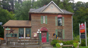 The West Virginia Pizzeria In The Middle Of Nowhere That's One Of The Best On Earth