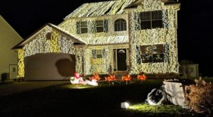 This Ohio Home With 25,000 Christmas Lights Would Make Clark Griswold Proud