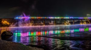 The Lighted Holiday Train In Wisconsin That's Like Catching The Polar Express