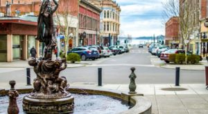 There Are More Than 50 Historic Buildings In This Special Washington Town