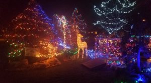 This Tiny Ohio Town Is The Grandest Winter Wonderland You'll Ever Visit