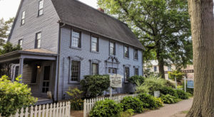 Visit This Connecticut Town With More Than 150 Pre-Civil War Homes