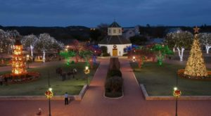At Christmastime, This Town Near Austin Has The Most Enchanting Main Street In The Country