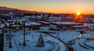 The One Mountain Town In Tennessee That's Perfect For A Winter Getaway