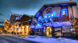 At Christmastime, This Washington Town Has The Most Enchanting Main Street In The Country
