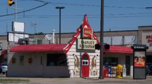 Blink And You'll Miss These 11 Tiny But Mighty Restaurants Hiding Around Cleveland