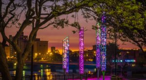 There's A Brilliant River Lights Display In Indiana That Is Stunning All Year Long