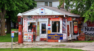 The Most Historic Gas Station In Iowa Belongs On Your Bucket List