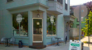 The Grinders From This Rhode Island Restaurant Will Make You A Lifelong Customer