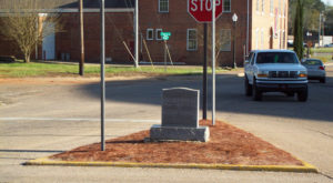 Most People Don't Know That The World's Smallest City Block Is Located Right Here In Alabama