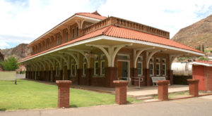 There's Only One Remaining Train Station Like This In All Of Arizona And It's Magnificent