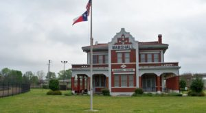 There's Only One Remaining Train Station Like This In All Of Texas And It's Magnificent