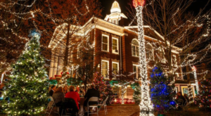 Christmas In These 10 Arkansas Towns Looks Like Something From A Hallmark Movie