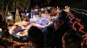 This Arizona Train Park Is Positively Enchanting At Christmastime