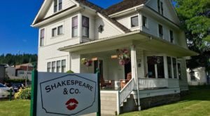 This Shakespeare Inspired Bookstore In Washington Serves Incredible Coffee