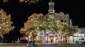 Christmas In These 10 Texas Towns Looks Like Something From A Hallmark Movie