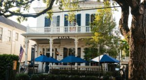 This Charming Restaurant In An Old Mansion In New Orleans Is A True Hidden Gem