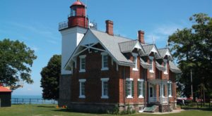The Haunted Lighthouse Outside Buffalo That Will Send Shivers Up Your Spine