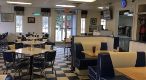 Revisit The Glory Days At This 50s-Themed Restaurant In Mississippi