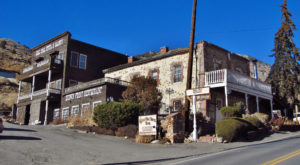The Oldest Hotel In Nevada Is Also One Of The Most Haunted Places You'll Ever Sleep