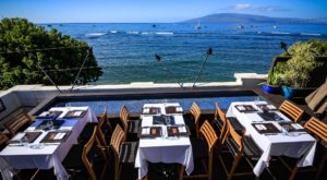 Watch Whales Play While Eating At This Can't Miss Hawaii Restaurant