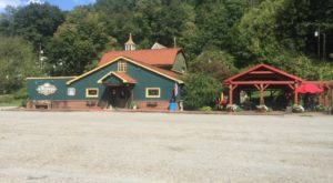 The Enchanting Small Town Winery Near Pittsburgh You'll Absolutely Want To Visit