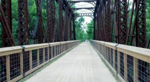 The Magnificent Bridge Trail In Kansas That Will Lead You To A Hidden Overlook