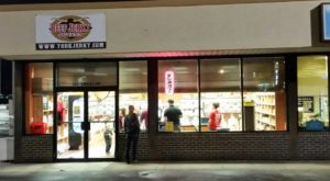 The Beef Jerky Outlet In Pennsylvania Where You'll Find More Than 200 Tasty Varieties